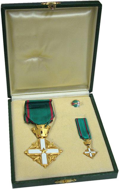 Изображение Значки, ордена, медали Европа Италия Орден Заслуг, 1952  UNC