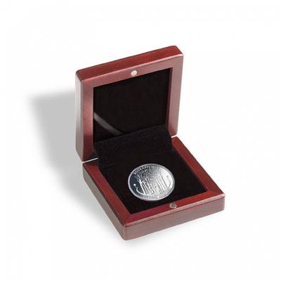 Изображение Аксессуары для монет Дерево Футляр для монет HMETUI21 (309490) 0   Футляр выполнен из к