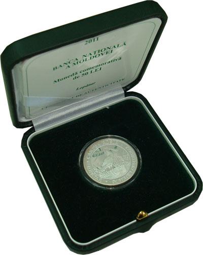 Изображение Подарочные монеты СНГ Молдавия Красная книга - Колпица 2011 Серебро Proof