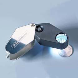 Каталог монет - Увеличительные приборы Карманная лупа Lu 24 LED с подсветкой