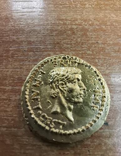 Продаем копию уникальной древнеримской монеты Мартовские иды EID MAR. Оригинальная монета была отчек