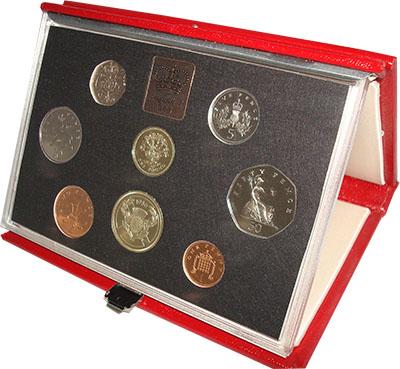 Изображение Подарочные наборы Великобритания Набор 1986 года 1986  Proof Набор состоит из мон