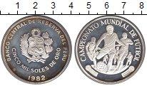 Изображение Монеты Перу 5000 соль 1982 Серебро UNC Чемпионат мира по фу