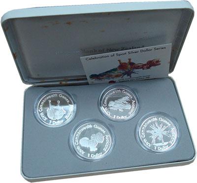 Изображение Подарочные монеты Новая Зеландия 1 доллар 1989 Серебро Proof Елизавета II.  Набор