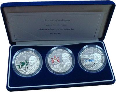 Изображение Подарочные монеты Остров Джерси Герцог Веллингтон 2002 Серебро Proof Набор  из  трёх моне