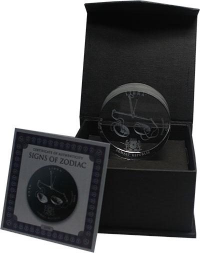 Изображение Подарочные монеты Сомали 500 шиллингов 2018 Стекло UNC Знаки зодиака. Весы.