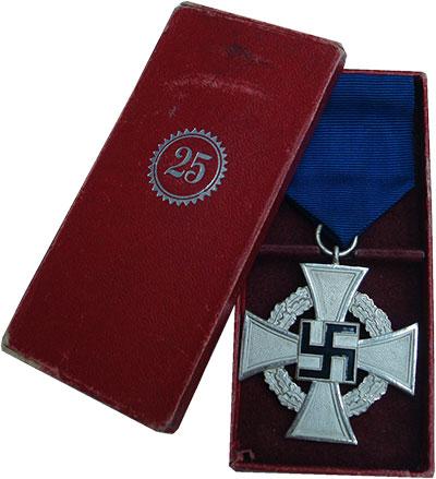 Изображение Значки, ордена, медали Третий Рейх Медаль 0  UNC