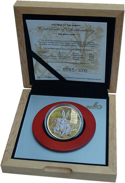Изображение Подарочные монеты Острова Кука 50 долларов 2011 Золото Proof Год кролика. Золото