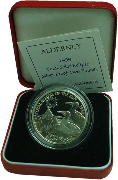 Изображение Подарочные монеты Олдерни 2 фунта 1999 Серебро Proof Полное солнечное зат