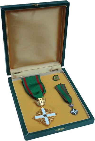 Изображение Подарочные монеты Италия Орден Заслуг 1952  UNC Учреждён законом № 1
