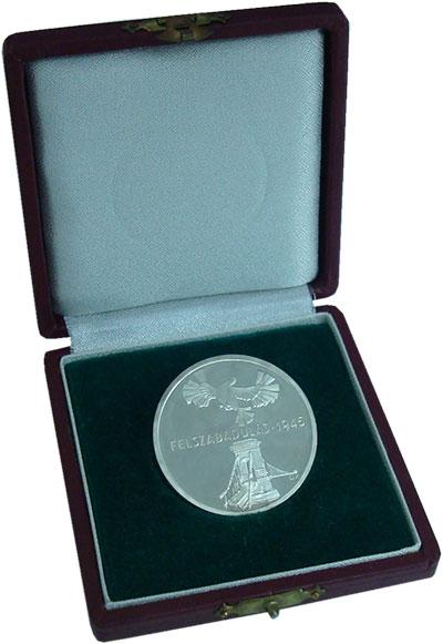 Изображение Подарочные монеты Венгрия 200 форинтов 1975 Серебро Proof- 30-летие освобождени