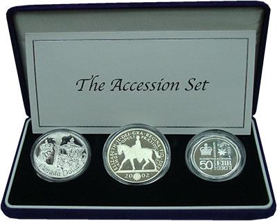 Изображение Подарочные монеты Великобритания Золотой юбилей 2002 Серебро Proof В набор входят три м