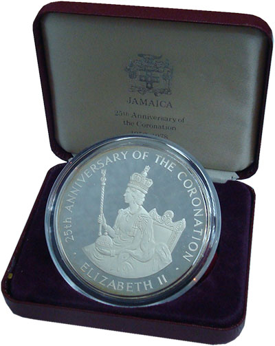 Изображение Подарочные монеты Ямайка 25 долларов 1978 Серебро Proof- 25 лет Коронации. Ор