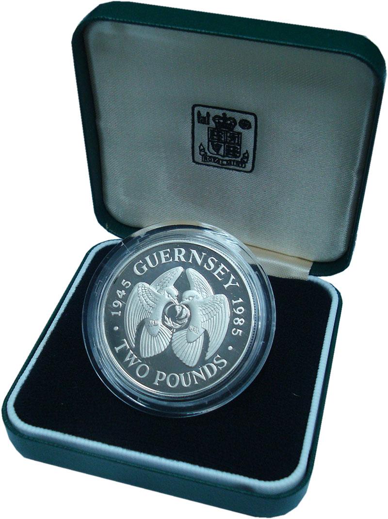 Изображение Подарочные монеты Гернси 2 фунта 1985 Серебро Proof 40 лет освобождения