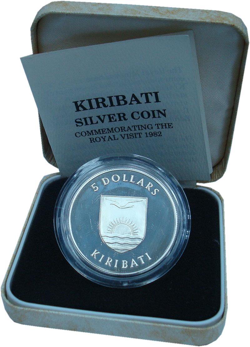 Изображение Подарочные монеты Кирибати 5 долларов 1982 Серебро Proof- Королевский визит. О