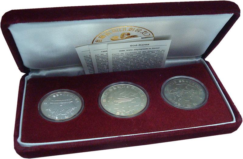 Изображение Подарочные монеты Южная Корея Олимпиада в Сеуле 1988 г. 1982  UNC Набор из трех монет