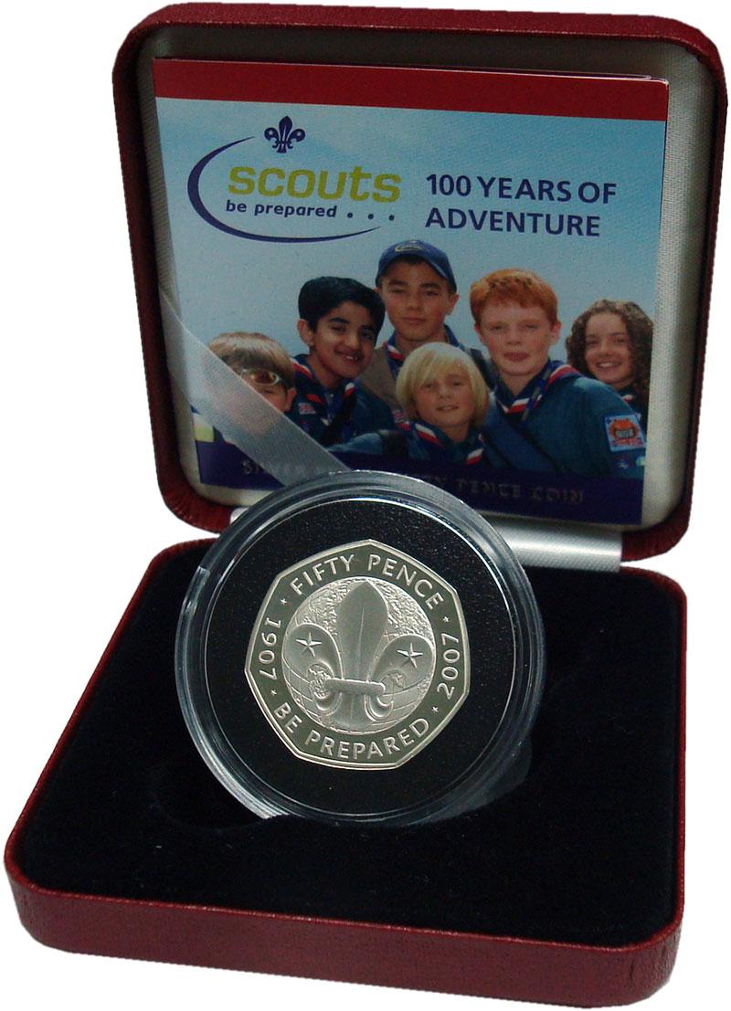 Изображение Подарочные монеты Великобритания 50 пенсов 2007 Серебро Proof 100 лет Скаутскому д