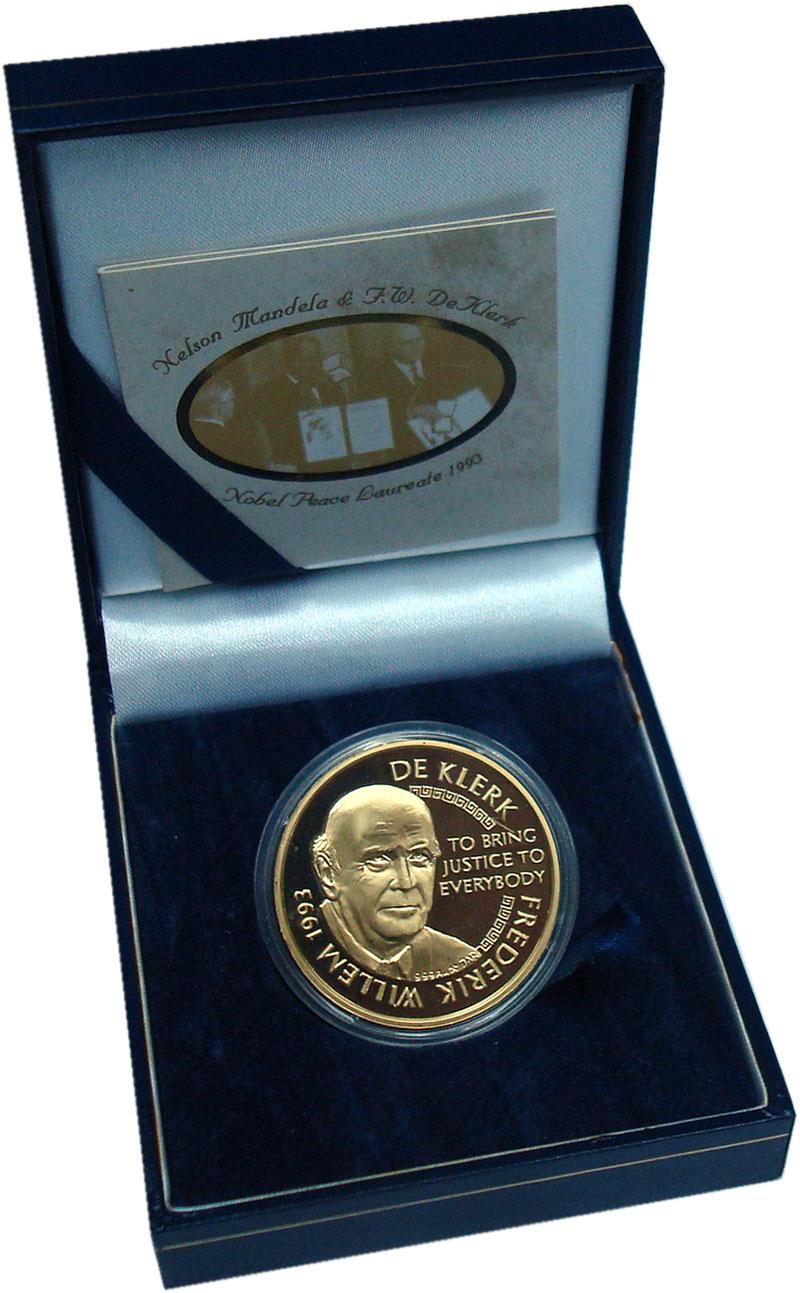 Изображение Подарочные монеты ЮАР Медаль 2006 Золото Proof Лауреаты Нобелевской