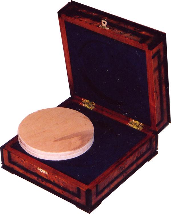 Картинка Аксессуары для монет Кабинеты для монет Футляр для килограммовой монеты  0