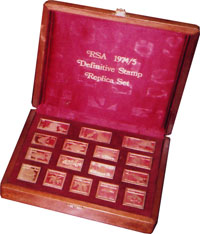 Изображение Аксессуары для монет Кабинеты для монет Планшет для монет 0   лакированное изделие