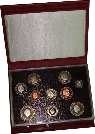 Изображение Подарочные монеты Великобритания Достижения человека 2004  Proof