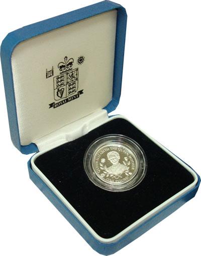 Изображение Подарочные монеты Гернси Королева- мать 1995 Серебро Proof `Подарочная монета н