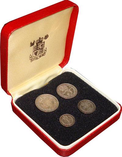 Изображение Подарочные наборы Великобритания Маунди-сет 1907 (Благотворительный набор) 1907 Серебро XF+ `В наборе 4 монеты н