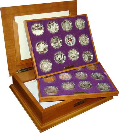 Изображение Подарочные монеты Великобритания Золотой юбилей правления Елизаветы 0 Серебро Proof `Подарочный набор ``